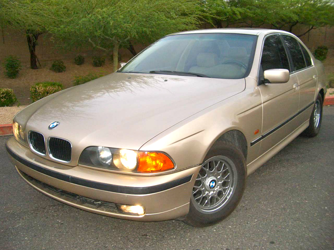 97 BMW 525i